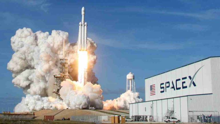 Space X Will Be Ready to Transport Humans in April 2019