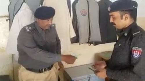 Karachi police contributing in Dam funds