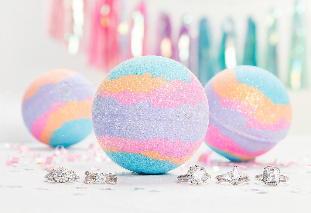 Make your own bath bombs at home!