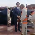 Raheel Sharif stops to meet a Pakistani in KSA