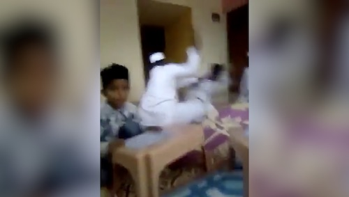 Video of a violent mullah leakes, Shehzad Roy asks for names