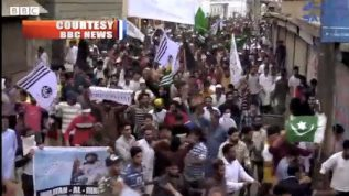 Kashmiris have declared a big protest against the Indian Army.