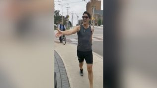 Canadian Wazeer e Azam Justin Trudeau morning walk karte hue