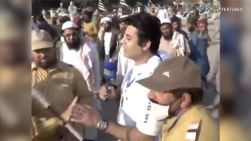 Ansar ul Islam kay karkono naye dharne kay shuraka ko media say bat karne say rok dia.