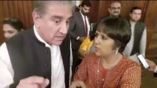 Shah Mehmood Qureshi tackles Barkha Dutt