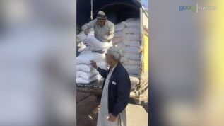 Azma Bukhari k ghar aatay ka truck kis nay bheja?